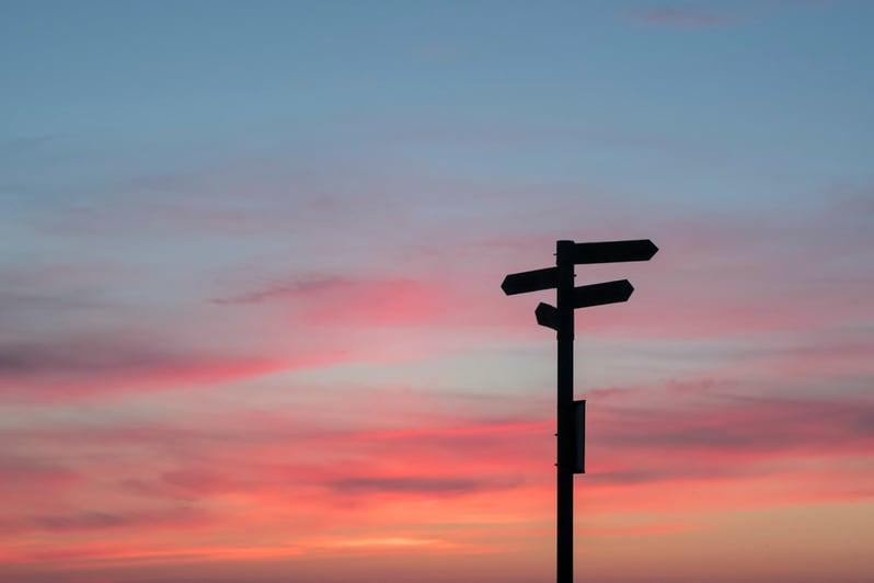 la toma de decisiones representada por los posibles caminos
